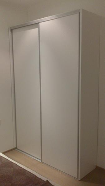 Armario con puertas correderas mb concept - Puertas lacadas en blanco opiniones ...