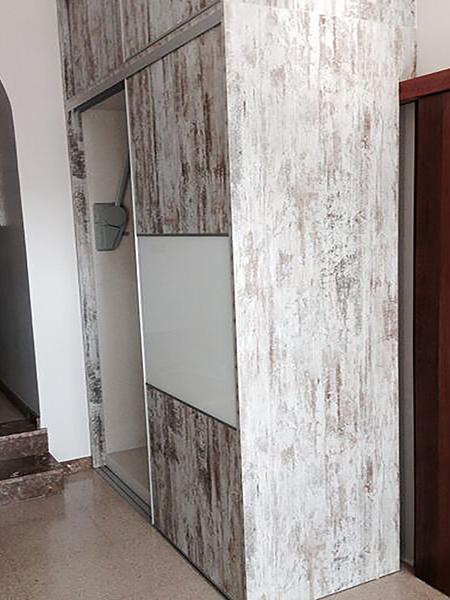 Armario ropero con puertas correderas japonesas combinadas con melamina harry luxor y cristal mate