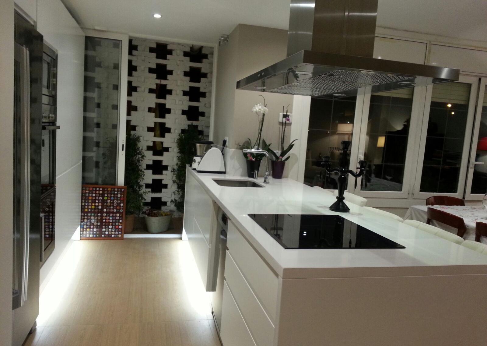 Muebles de cocina a medida lacados en blanco | MB Concept