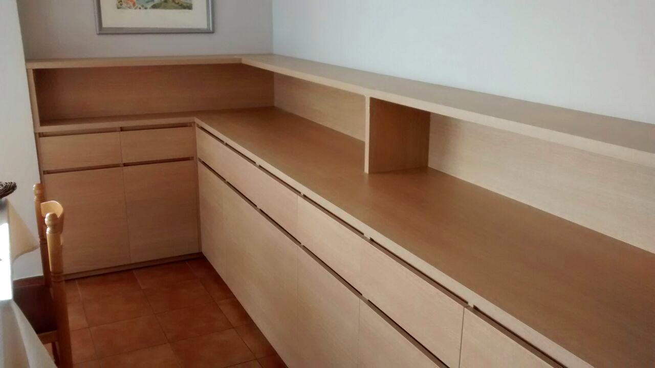 Mueble para comedor colectivo de hospital en melamina con uñero.