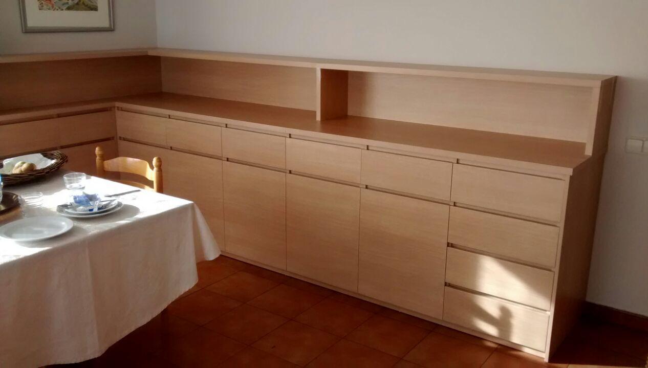 Mueble para comedor colectivo de hospital mb concept for Mueble esquinero para comedor