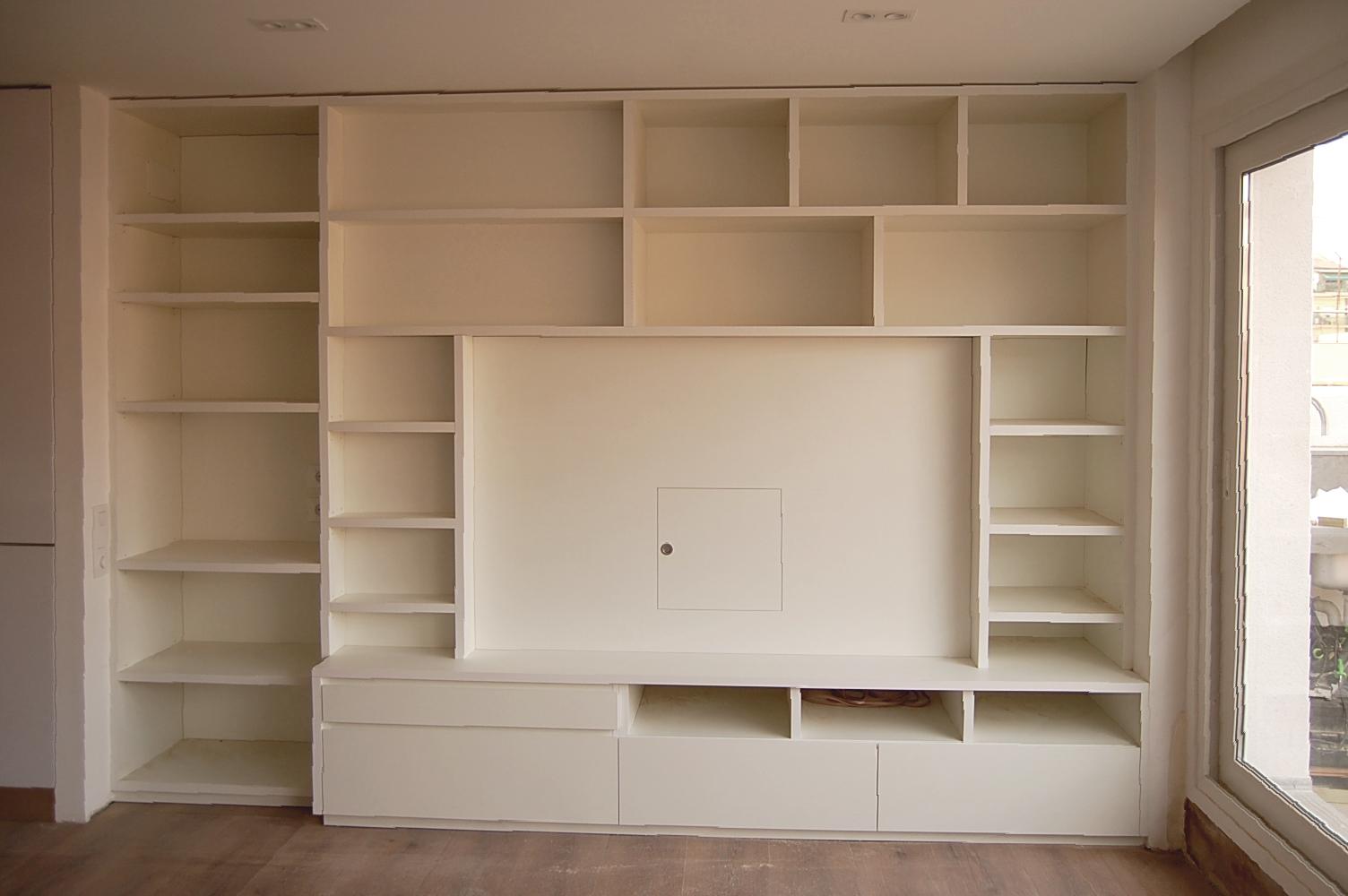 Mueble comedor en melamina blanca con estantes de 3 cm., cajones con guía de extracción total con freno y puerta registro