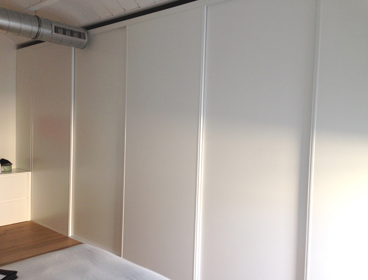 Armarios blancos puertas correderas simple las puertas de - Armario 3 puertas correderas ...