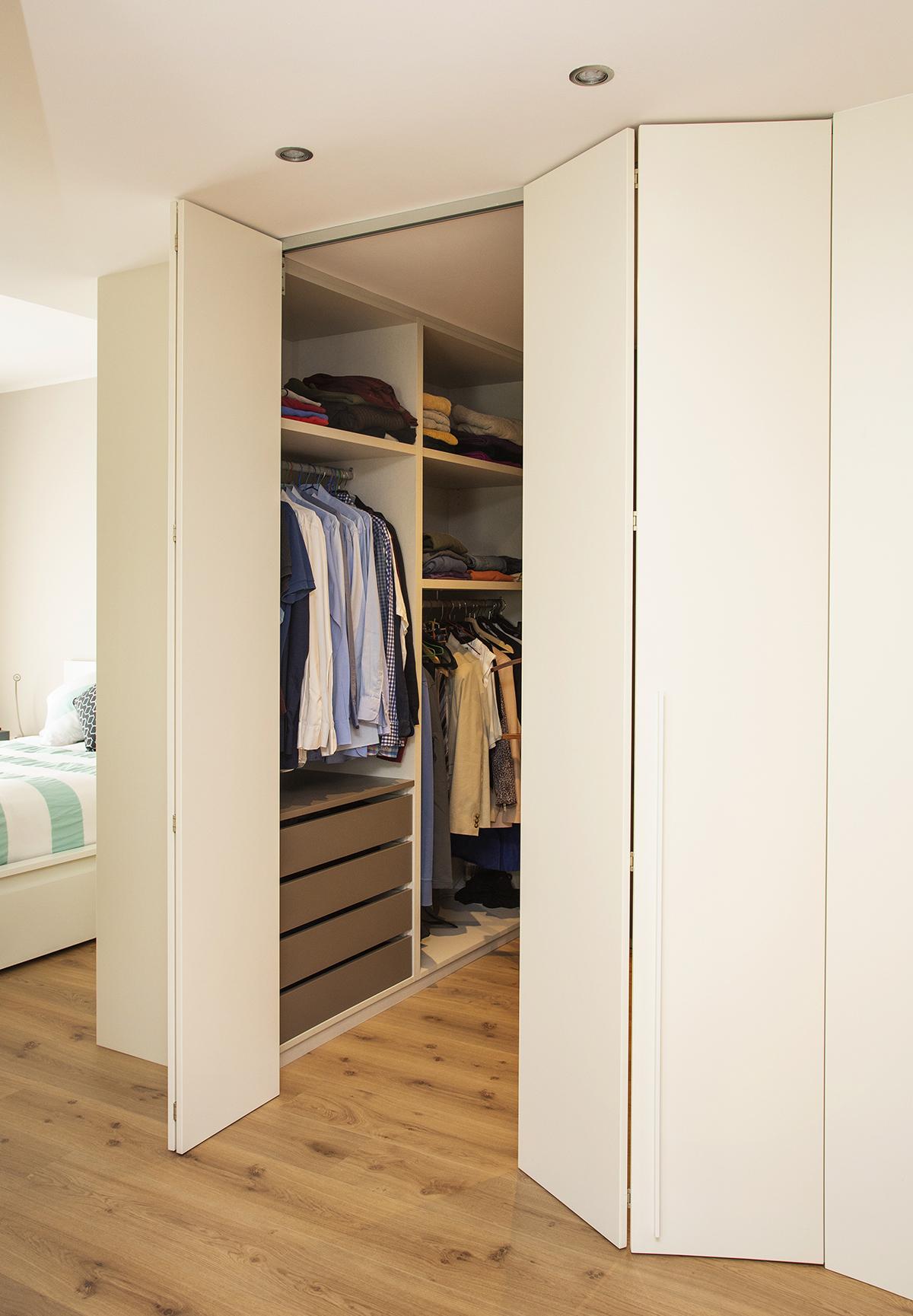 Armarios vestidores lacados a medida en barcelona mb concept - Armarios a medida barcelona ...